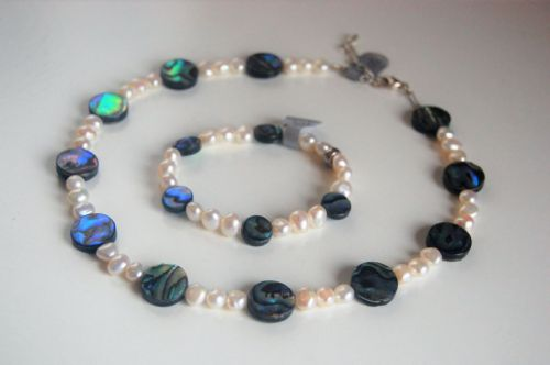 Paua & Freshwater Pearl Necklace & Bracelet PFNB12 WAS £60
